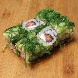 Wakame rolls saumon/cheese