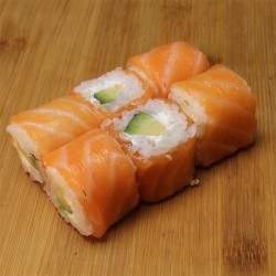 Fish rolls saumon/avocat/cheese